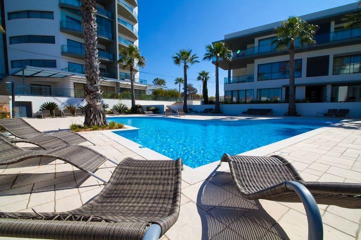 Cavalo Preto Beach Resort Apt WIFI Sea Views 203B