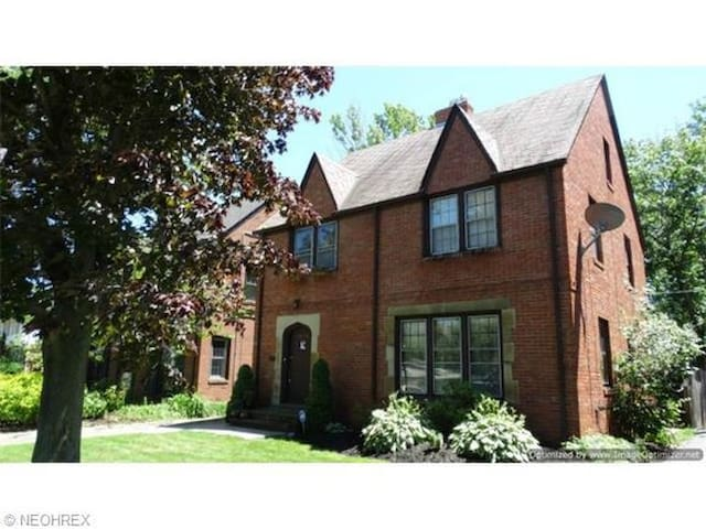 3854 Meadowbrook Blvd (RNC listing) - University Heights - Hus