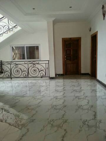 Charming Victorian Home - Accra, Greater Accra, GH - House