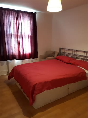 Fulham Double bed room
