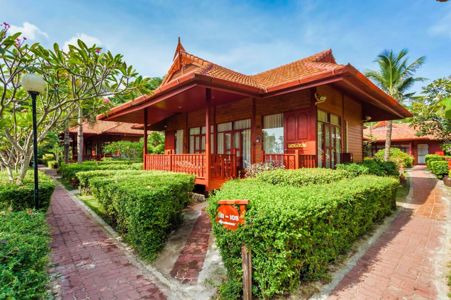 Spacious bungalow with terrace overlooking the beach and Andaman Sea.