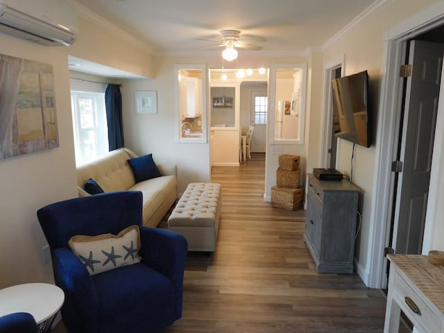 Gorgeous 2 BR/1.5 BA beach cottage!  (Seaside) - Seaside Heights - Huis