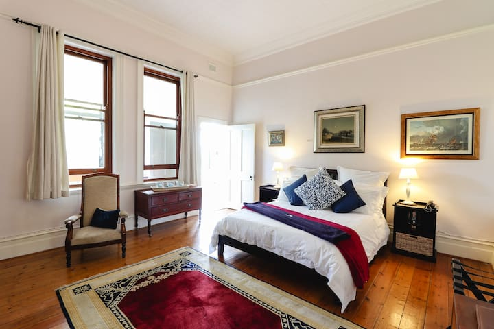 Luxury Family Suite DBL Bed /Carmichael Guesthouse