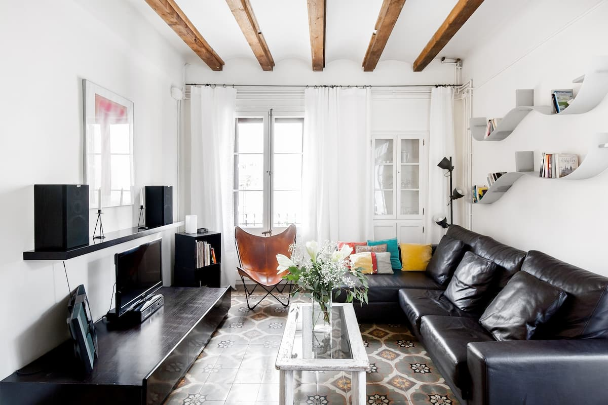 Discover the Real Barcelona from an Apartment in Gracia