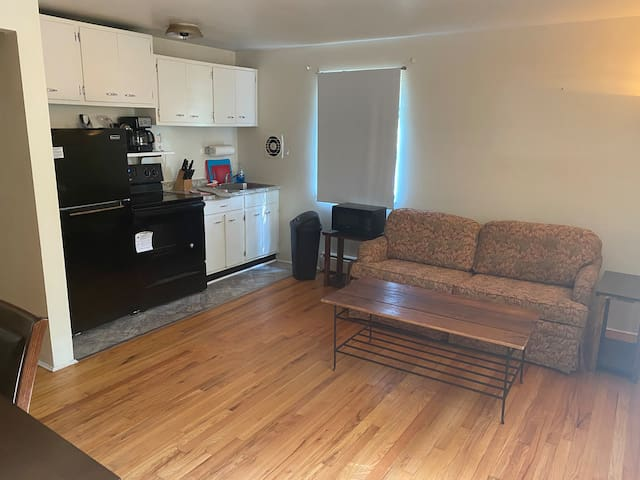 Comfortable & Approachable Private Apartment!