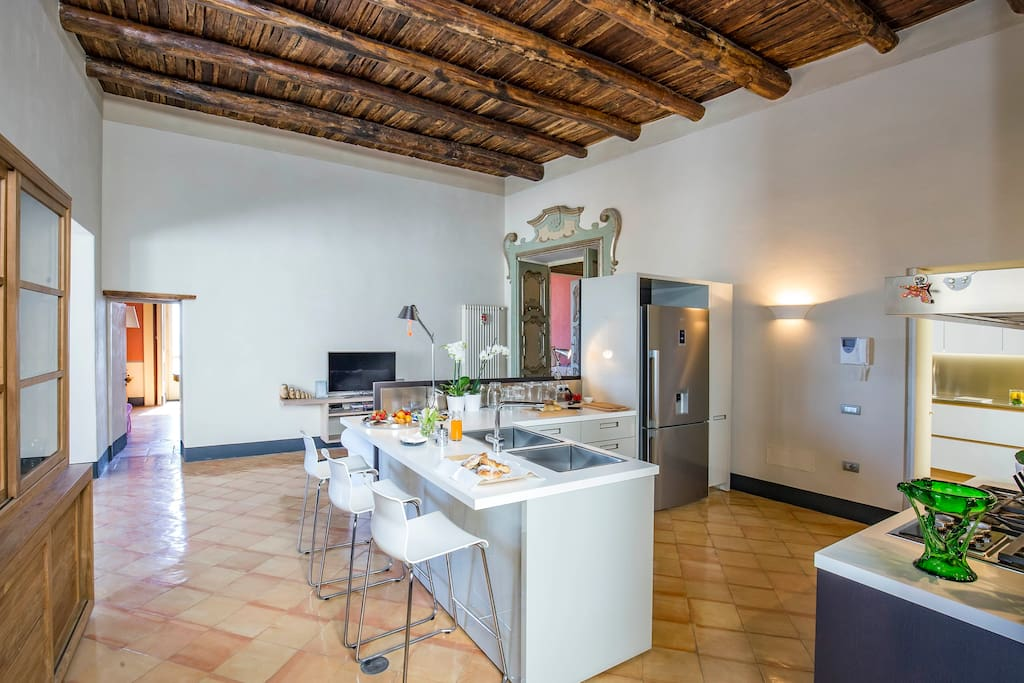 *Dimora Copeta* - the stylish kitchen   Luxury Panoramic Apt in the heart of the historical center of Salerno   managed by #Starhost