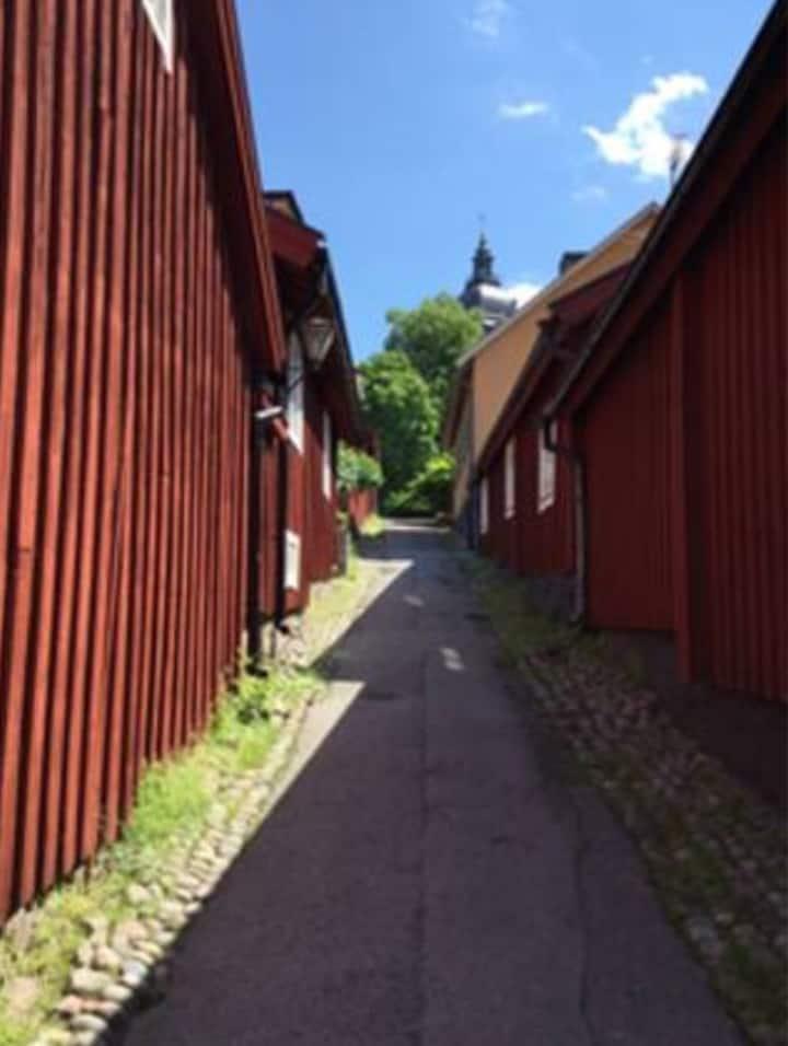 Charmigt boende mitt i Strängnäs