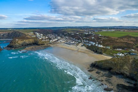 Waterside Cottage. Sunny, family friendly,couples. - Portreath - House