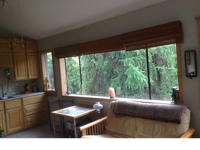Comox Valley Treehouse Suite - Cumberland - Loft