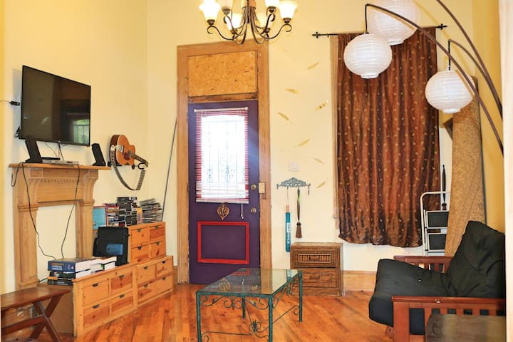 Historic 2BR near streetcar (2 miles to Jazz Fest) - New Orleans - Rumah