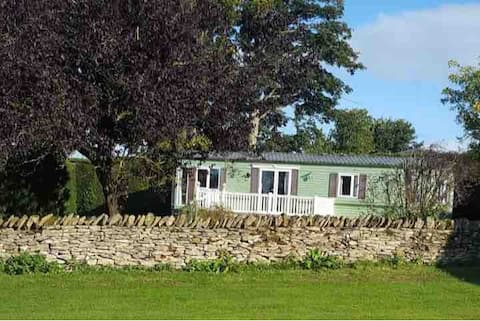 A Cozy Farm Stay Bordering the NorthYork Moors