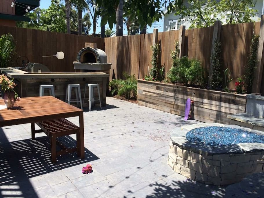 Outdoor kitchen, Dining & Firepit