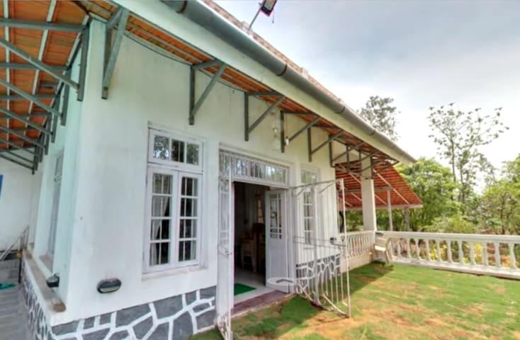 4BHK Villa at Karjat with Pool - Karjat - Villa