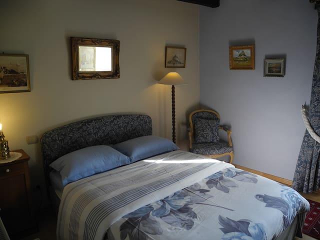 chambre de charme à 10 minutes de Dinan - Saint-Juvat - Rumah Tamu