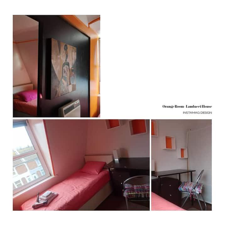 Orange - Single room