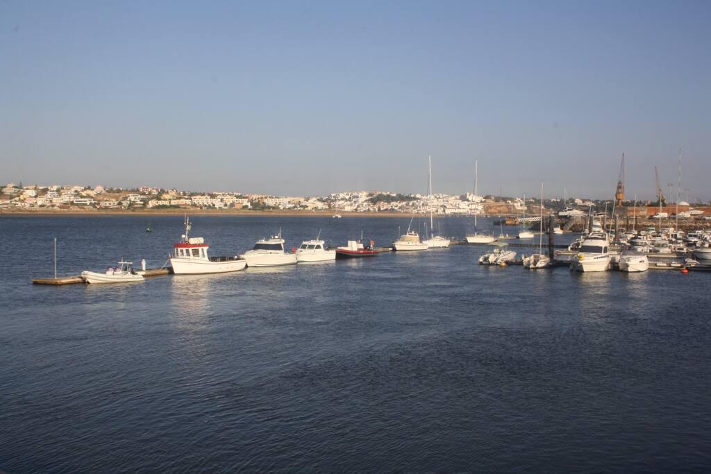 Zona ribeirinha de Portimão ( a visitar). Riverside area of Portimão (to visit).
