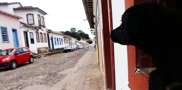 Quarto na rua histórica Santo Antônio.