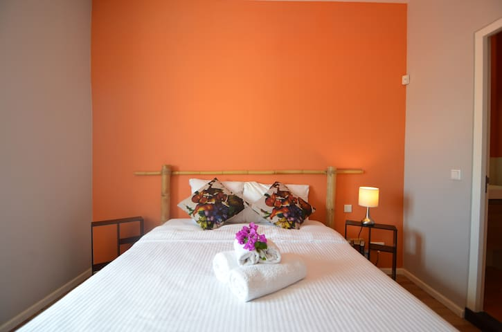 We provide bed linens