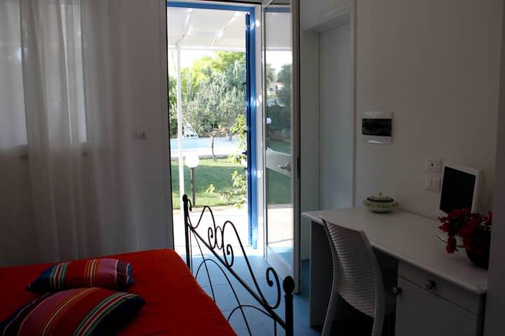 Double room garden view VerdeBlu B&B