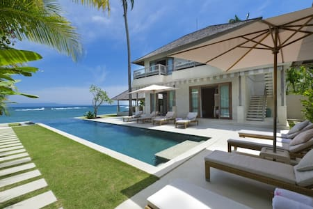 Absolute Beachfront 4 Bedroom Villa,Candidasa,Bali - Villa