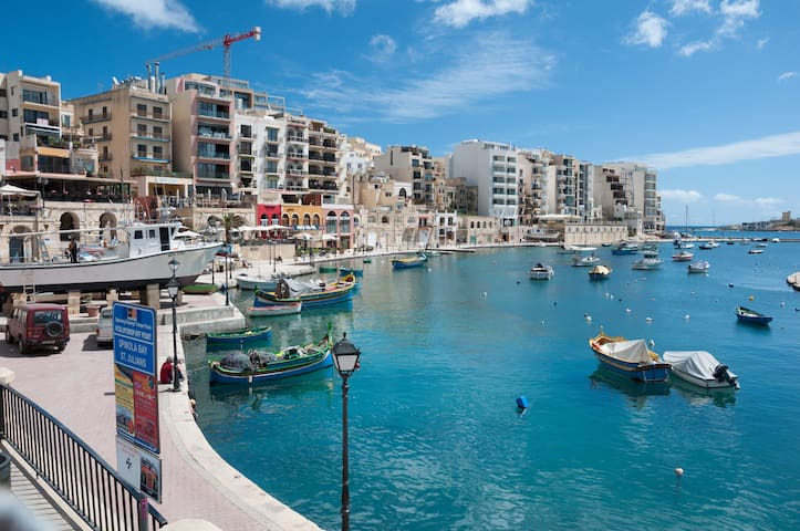 2 Large Bedroom Apartment in St Julian's, Malta - Saint Julian's - Pis