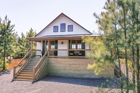 Porch + Pine - New Luxury Farmhouse Cabin