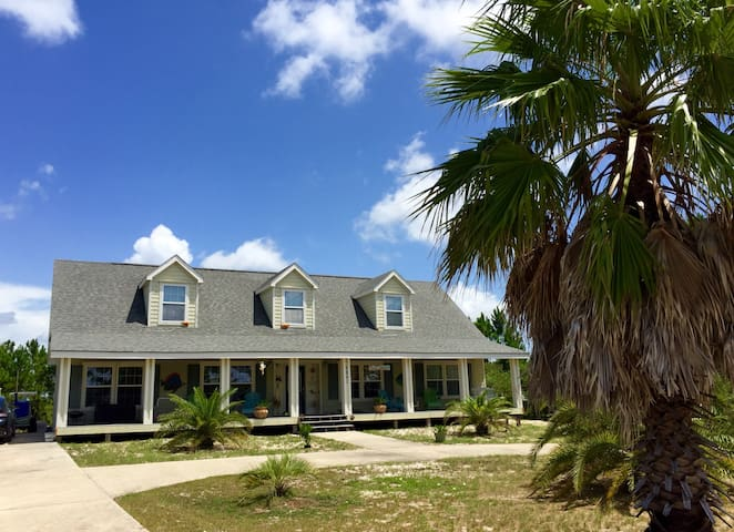 Fort Morgan House - Sleeps 4 - Walk to Beach - Gulf Shores - House