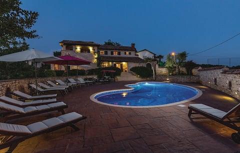 Beautiful traditional Istrian Villa Regina