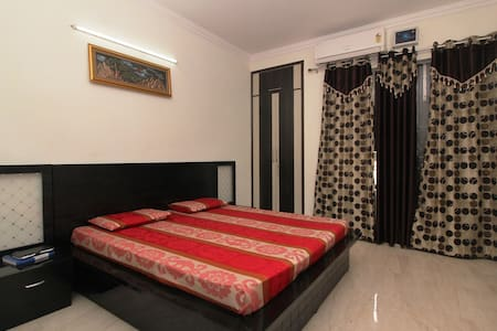 Supreme A/C Private BedRoom + Living Room +Kitchen - Faridabad
