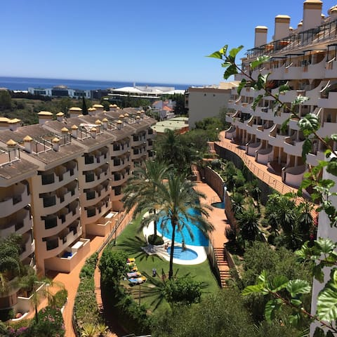 Puerto Banus 2 bedroom apartment with lovely views