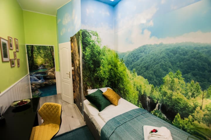 Nature but still in the City single bedroom