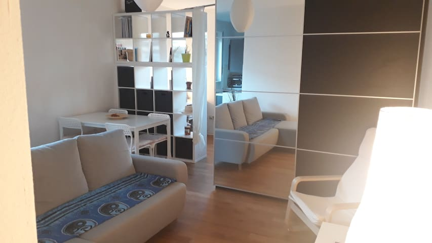 Nice flat in city center-Close to Messe-Fair-River