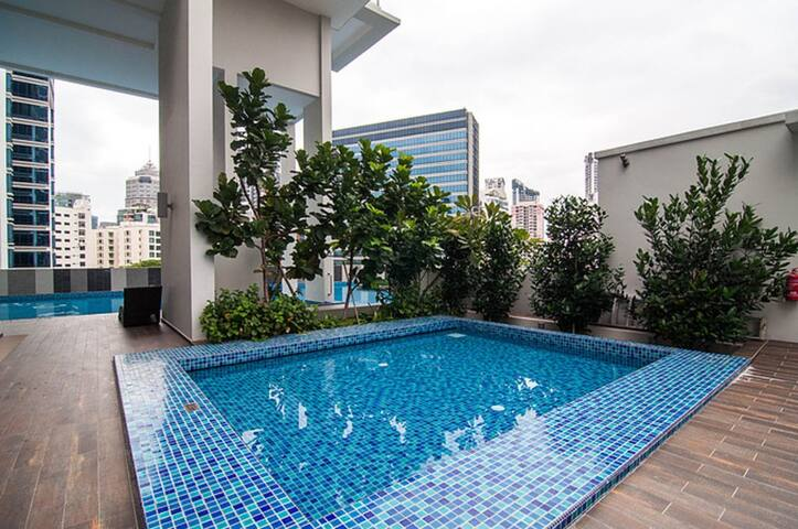 Incredible 1 Bedroom + Swimming Pool + Gym - Singapore - Lejlighed