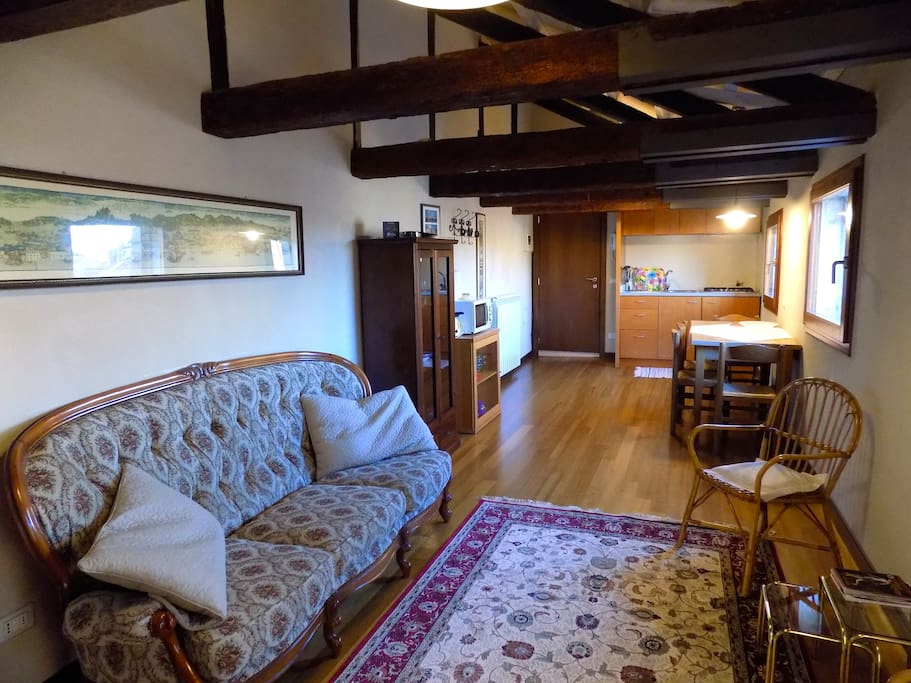 livingroom with kitchencorner