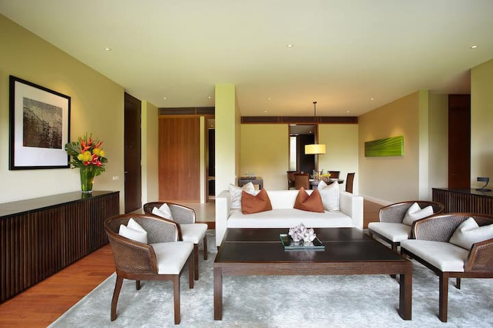 2-BR SUITE AT SENTOSA, SINGAPORE