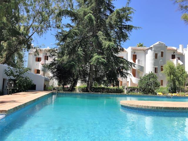 Nueva Andalucia penthouse-sleeps 4