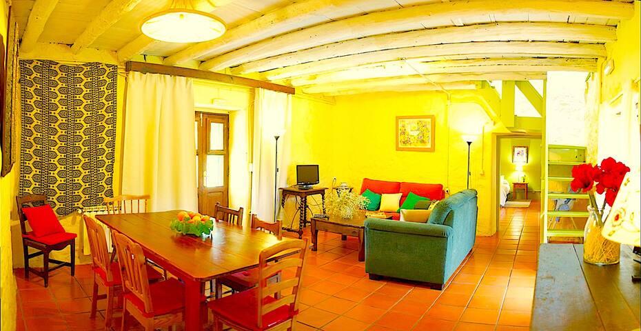 Sala de estar y comedor (planta baja)