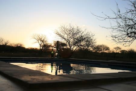 Nathi Guest House - Marloth Park - Rumah