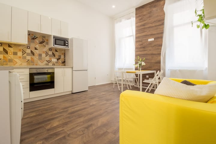 Parliament area - modern charm in the Centre#2BR