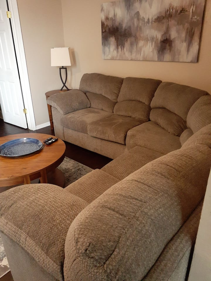 Large Fully Furnished studio w/ W/D 50-301