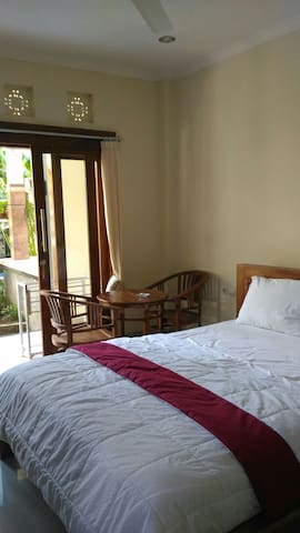 Bagus Home Stay - Gianyar - Bed & Breakfast