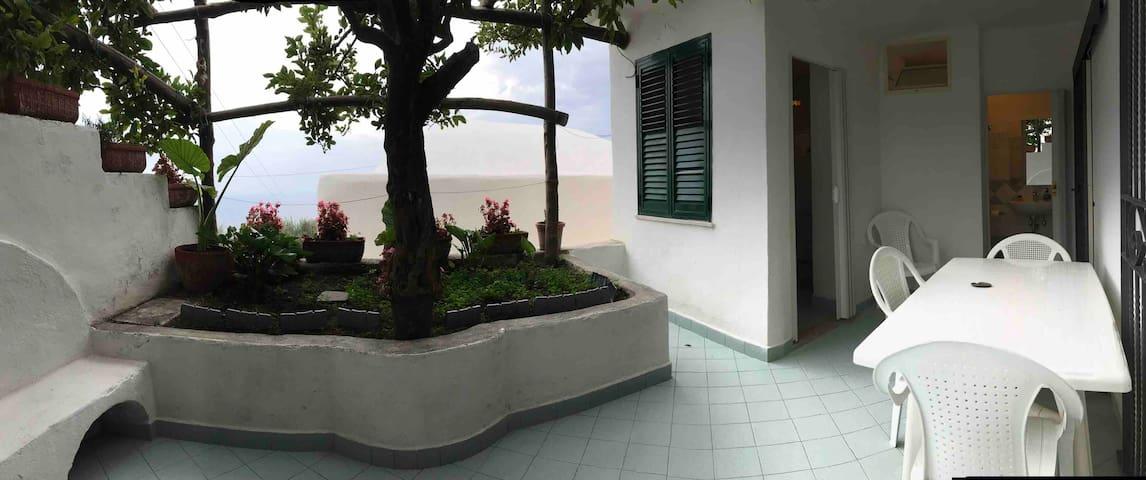 Casa Rosa. 4 Amalfi .Coast Conca dei Marini (Sa)