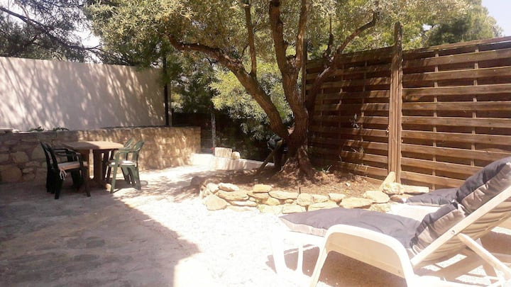 independent house of 30m2 near creeks