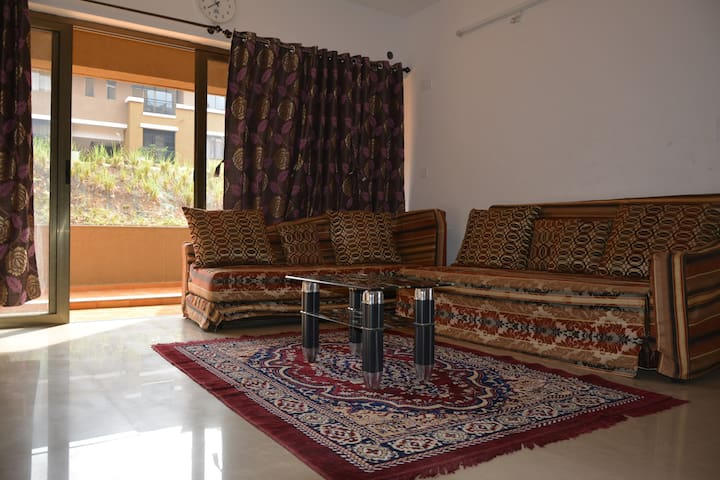 2 BHK/Ac Luxury Apartment at Lavasa City Center - Lavasa - Apartamento