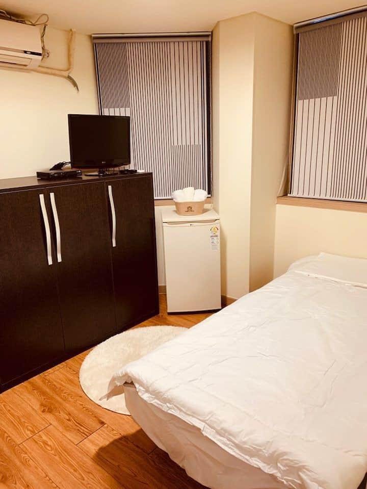 Hansong room 303/Independent/Cozy/Best location
