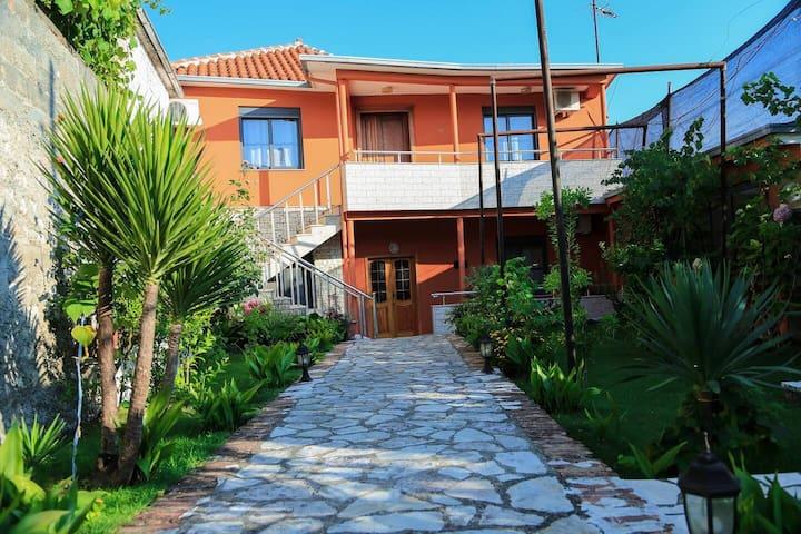 KALOSHI  VILLA - Entire Four Bedroom Villa
