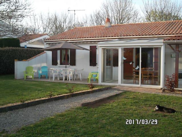 Maison calme pour vacances en famille et cures - Rochefort - Hus