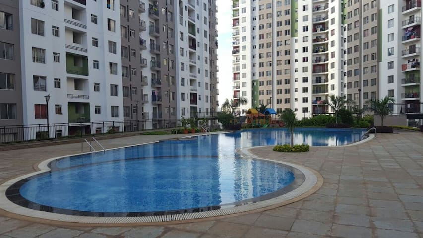 Entire 1 bed room apartment in a posh location