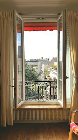Cosy and sunny appartment - 15 min Eiffel Tower