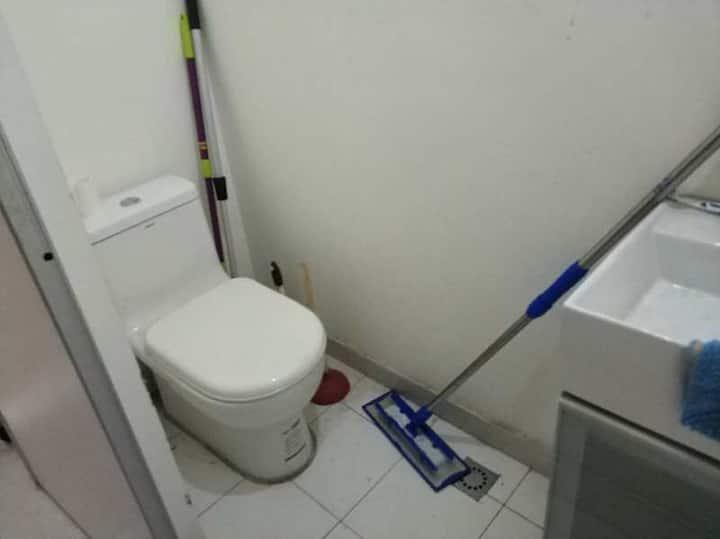 40平米上下二层 二个卫生间 一个淋浴